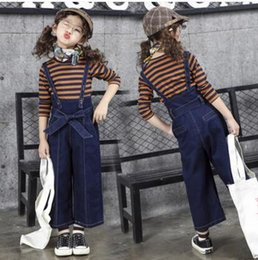 Barato Outono Menina Pant Set-Kids Girl Loose Jeans Pant + Striped Camisa de manga comprida Outono Conjuntos de roupa 2Pcs Casual Outfits Girls Wide Jeans Vestuário