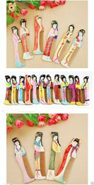 $enCountryForm.capitalKeyWord Canada - Wholesale Cheap 12PCS Mix Colors Chinese Oriental Peach Wood Hand Painted Beauty Print Combs