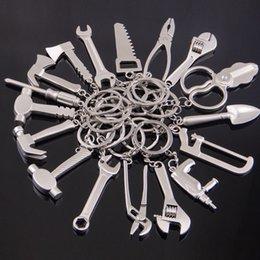 Großhandel Mini Handwerkzeuge Keychain Metall Axt Schraubendreher Bohrmaschine Hammer Zangen Charme Gemischt Schlüsselanhänger Halten Modeschmuck 170883