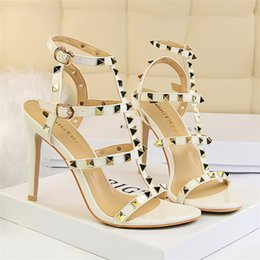 $enCountryForm.capitalKeyWord Australia - 2019 women slingbacks designer gladiator sandals women rivet shoes black red nude white luxury sexy extreme high heels pumps