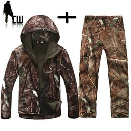 $enCountryForm.capitalKeyWord Australia - Lurker Shark skin Soft Shell TAD V 4.0 Outdoors Military Uniform Tactical Jacket Waterproof Fleece Hunter Windproof ClothesMX190828