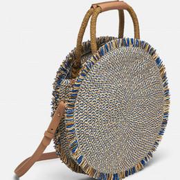 $enCountryForm.capitalKeyWord UK - 2019 New Fashion Tassel Women Handbag High Quality Straw Bag Beach Woven Bag Round Tote Fringed Beach Large Shoulder Travel Bag Y19061204