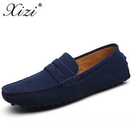 Venta al por mayor de Xizi Verano Hombres Zapatos casuales Moda Hombre Zapatillas de deporte Mocasines Zapatos de cuero genuino Resbalón en pisos de hombres Barco de conducción Tamaño grande