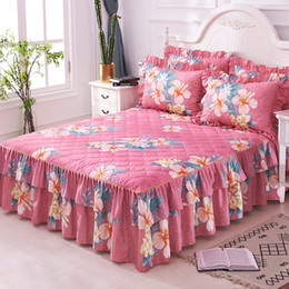 $enCountryForm.capitalKeyWord UK - Thick Quilted Bedspread set Floral Ruffled 160X200cm Twin Queen size Bedskirt set Lightweigh Ultra Soft Bed Pillowcase