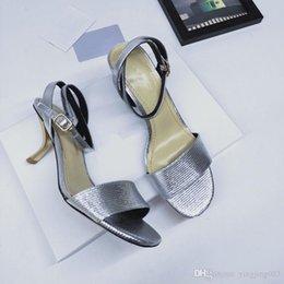 $enCountryForm.capitalKeyWord Australia - 2019 Summer designer sandals fashion brands women casual leather sandals loafers women flip flops sandals 35-40 ks190516