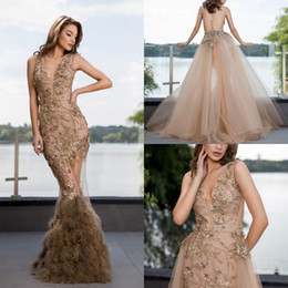 $enCountryForm.capitalKeyWord Australia - Luxury Feather Mermaid Gold Prom Dresses V Neck Lace Appliqued Beaded Evening Gowns With Detachable Train Formal Party Dress