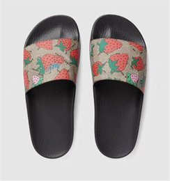 $enCountryForm.capitalKeyWord Australia - Luxury Chaussures Slipper Flip Flops For Women Slipper Socks With Grippers For Women Summer Slides Shoes With Box Size:35-45
