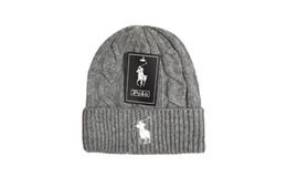 Cappelli a maglia delle donne online-Mens Womens skullies berretti  invernali cappello lavorato a maglia 1a47bded44cf