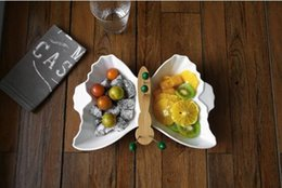 $enCountryForm.capitalKeyWord Australia - Creative ceramic lattice fruit tray with fork and butterfly large fruit tray