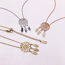hollow flower pendant NZ - Fashion Flower Necklaces Luxury Hollow Flower Charms Pendant Necklace Womens Golden Silver Rose Necklaces Jewelry Lover Gifts