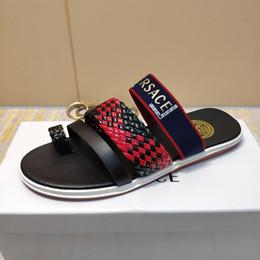 e5755bc7 Новый итальянский бренд летние мужские тапочки качество кожа пляж с плоским  дном тканые мужские повседневная обувь бесплатная доставка 40-44 размер