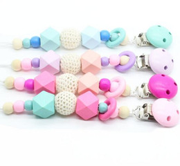 Wholesale INS new Baby Pacifier Holders Newborn Pacifier Clips Prevent falling Infant Cartoon Gutta percha Clips For Baby Feeding
