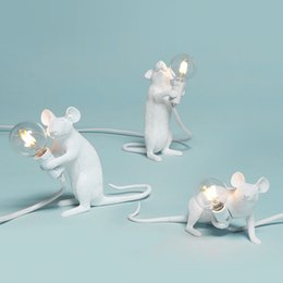 $enCountryForm.capitalKeyWord Australia - Postmodern Resin Animal Rat Mouse Table Lamp Small Mini Mouse Cute Led Night Lights Home Decor Desk Lights Bedside Lamp