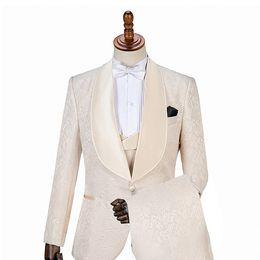 Groom Groomsmen Champagne Vest Australia - GwenhwyfarHandsome Embossing Groomsmen Shawl Lapel Groom Tuxedos Men Suits Wedding Prom Dinner Best Man Blazer(Jacket+Pants+Vest