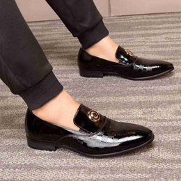 wedding dresses christmas Australia - Real Leather Designer Men Formal Dress Shoes Black Fashion Flat Shoes Men's Loafers Christmas Party Wedding Shoes