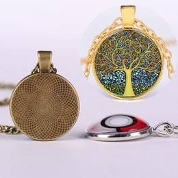 necklaces pendants Australia - Vintage Tree of Life Pendant 4 Colors Retro Necklace Alloy Sweater Chain Cabochon Bronze Glass Necklaces Women Girl Jewelry Party Gift M100F