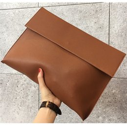 $enCountryForm.capitalKeyWord NZ - New Fashion 2019 Women Men OL Briefcase Luxury Handbags Envelope Large Clutch Purse Bags Leather Designer Soild Brown Black Red