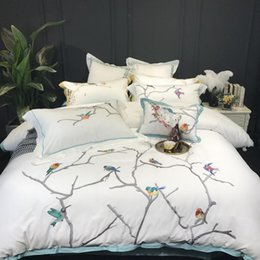 $enCountryForm.capitalKeyWord Australia - Classical Chinese Style Luxury Egyptian cotton Bedding Set King Queen size Embroidery birds duvet covers white Bed sheet set