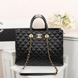 حقيبة يد نسائية واحدة الكتف ، إنتاج الجلود ، سعة كبيرة ، حقيبة التصميم ، المألوف وسخية ، تصميم حقيبة.