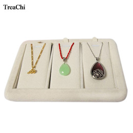 Wooden Display Cases Australia - Quality Portable Velvet Pendant Jewelry Display Case Wooden 3 Grids Earring Necklace Display Holder Organizer Tray 18*12*2 cm