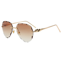 rimless lens shapes UK - Men' Women's Flower-shaped Sunglasses Fashion cut edge frameless Sunglasses ladies personality fashion metal sunglasses marine color Glasses