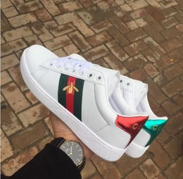 Italy women shoes brands online shopping - 2019 Luxury Designer Men Women Sneaker Casual Shoes Low Top Italy Brand Ace Bee Stripes Shoe Walking Sports Trainers size