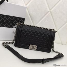 Moda lüks bayanlar omuz çantası nötr tarzı eşkenar tasarımcı çanta mavi siyah şarap kırmızı pembe numarası: 67086.