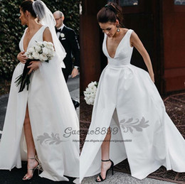 $enCountryForm.capitalKeyWord NZ - Sexy matte satin Wedding Dresses with Pocket Design 2019 Modern open neck A line split Princess country garden Church Wedding Gown