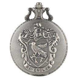 $enCountryForm.capitalKeyWord UK - Unique Harry Potter Eagle College Logo Pendant Watch Gun-color Quartz Analog Pocket Watch Clear Arabic Numerals White Dial Watches for Men