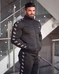 Vente en gros Survêtements pour hommes 2019 Hiver Nouveaux vêtements de course pour hommes Costume Vêtement de sport chauds En plein air SweatshirtsTrousers Slim Muscular-man Wearing