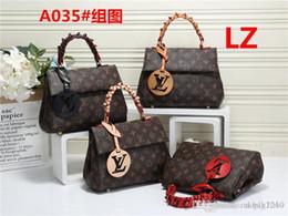 Toptan satış 2019 stilleri Çanta Ünlü İsim Moda Deri Çanta Kadınlar Bez Omuz Çantaları Bayan Deri Çanta Çanta A035 LZ çanta