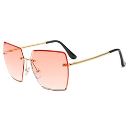 frameless sunglasses for women UK - women personality multilateral sunglasses fashion frameless red colorful clear UV400 alloy legs generous sunglasses for girls