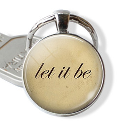 $enCountryForm.capitalKeyWord UK - 2019 new fashion letter photo keychain convex round glass pendant couple keychain gifts for friends or family
