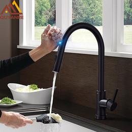 Опт Матовый черный сенсорный кухонный кран Чувствительный Smart Touch Control Смеситель для кранов Touch Touch Смарт-черный кухонный кран