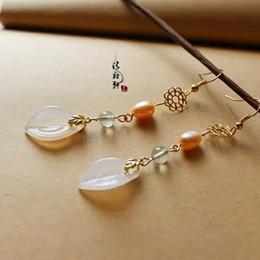 c4ee8d96e2aa Pendientes Flor de oro Colgante Decoración Rosa Perla Verde Cristal Piedra  dorada Accesorios de hoja delicada Ágata blanca Jade Gota con Han