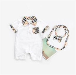 onesie rompers Australia - Fashion Plaid Baby Onesie Cotton Turn-down Collar Short Sleeve Baby Crawler High Quality Baby Clothes Send Saliva Towel kid Rompers