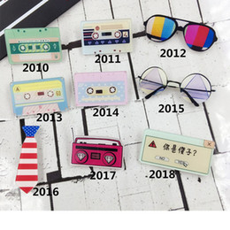$enCountryForm.capitalKeyWord Australia - Acrylic Badge Brooches Tape Pins Cartoon Sunglasses Radio Record Brooch Clothes Shoes Package Women Men Jewelry Accessories