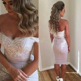 $enCountryForm.capitalKeyWord UK - 2019 Short Sheath Cocktail Dresses Beach Off The Shoulder Bridesmaid Dresses Appliques Knee Length Formal Party Prom Gowns Cheap Hot Sale