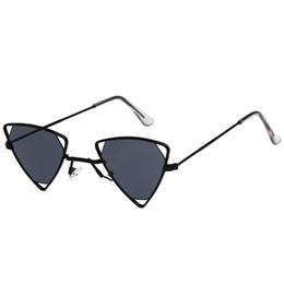 $enCountryForm.capitalKeyWord UK - Antique punk women's triangle sunglasses fashion men's hollow red lens sunglasses UV400 designer glasses