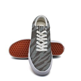 $enCountryForm.capitalKeyWord NZ - Men's canvas tennis shoes Striped pattern Leopard Print running sneakers Lightweight exclusive Lace-up Balls Shoe Breathabl retro sneakers