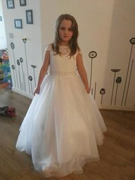 t length blue wedding dresses UK - Lace White Floor -Length 2020 A Line Flower Girls Dresses Jewel Illusion T -Shirt Covered Button Beaded Tulle Tiered Communion Dress