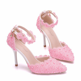 $enCountryForm.capitalKeyWord NZ - Women Platform Sandals Thin High Heels Waterproof Female White Lace Crystal Wedding Shoes Pointed Toe Lace Flower Pearls Pumps