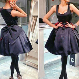 $enCountryForm.capitalKeyWord UK - 2019 Little Black Satin Short Homecoming Dresses with Big Bow Zipper Back Graduation Gowns A Line Maid of Honor Dress