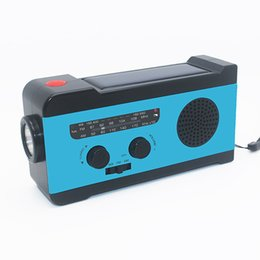 China Protable Am Fm Radio Hand Crank Generator Solar Power Radio With 2000Mah Phone Charger supplier crank powered suppliers