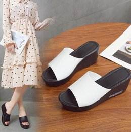 black platform court heels Australia - Low heel platform Korean version slippers for women fashion wear new personality trend flip-flops