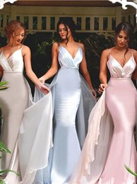 Discount detachable trains for wedding dresses Fashion Spaghetti Straps Spandex Bridesmaid Dresses with Detachable Train Long Maid of Honor Dress for Wedding Party