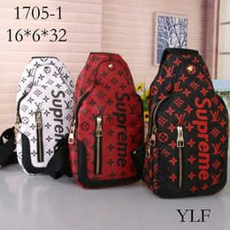 Chain Hot Boys UK - 2019 new hot costume European American fashion explosion Backpack LOUIS VUITTON Supreme Backpack bag Handbags Shoulder Chest bag
