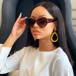$enCountryForm.capitalKeyWord Australia - MINCL Vintage Oversized Round Sunglasses Women Luxury Gradient Sun Glasses Men Wide Legs Style Sunglass Leopard Black Eyewear NX