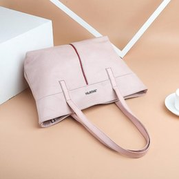 factory outlet handbags Australia - Factory outlet women handbag new woven large-capacity women bag simple Joker leather shoulder bag vintage leather shopping bag