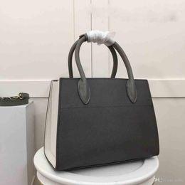 New fashion trend hardware old organ handbag 2019 new designer bag AAAAA  leather bag number  1BA050. 481e3f97f0fea